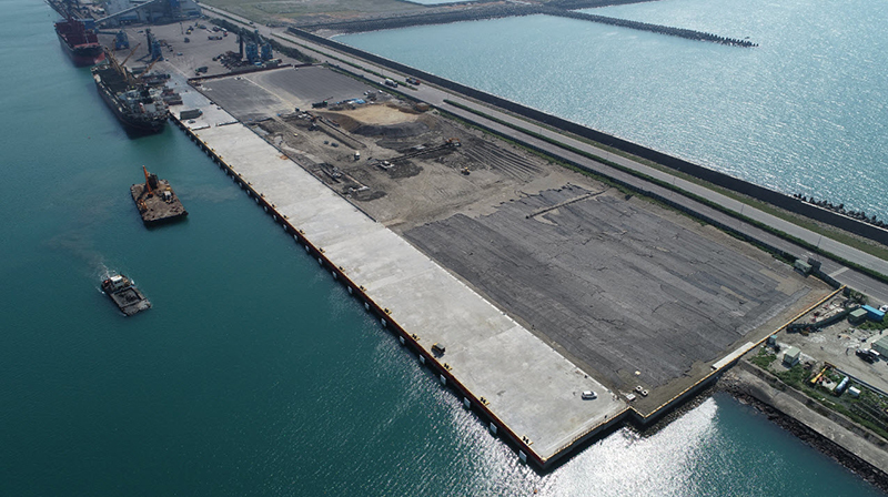 Port of Taichung completes first of several tailor-made wharves for offshore wind farm industry