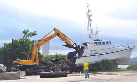 Port of Guam demolishes derelict vessel