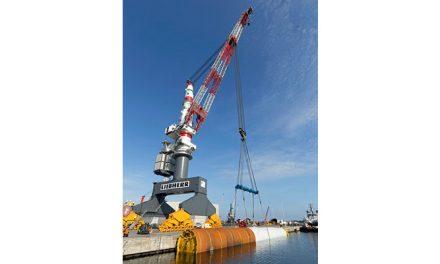 Liebherr heavy-duty crane loads monopiles