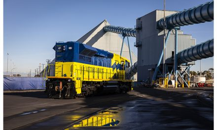 Metro Ports deploys low-emissions locomotive for Port of Long Beach